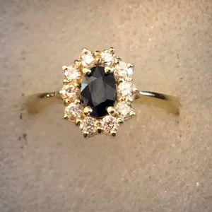 Beautiful Sapphire and Diamond 18 K gold Ring